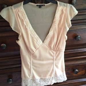 Hot Kiss size M lace top
